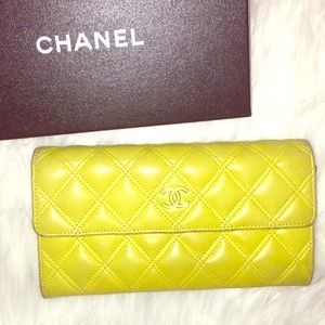 AUTH CHANEL CC QUILTED YELLOW WALLET BIFOLD silver